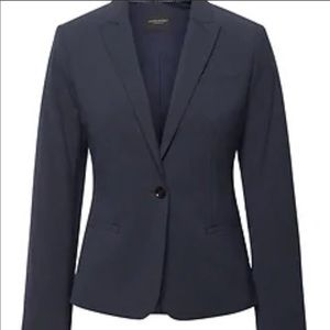 BANANA REPUBLIC Navy classic fit blazer!